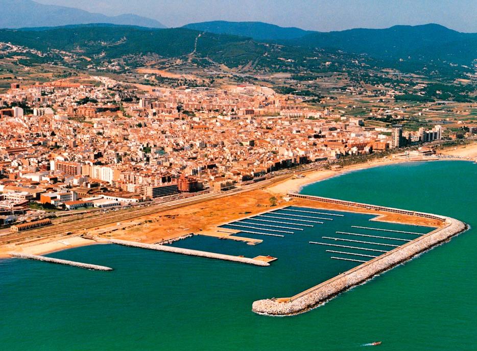 Vista aérea construcción del Port de Mataró 1991
